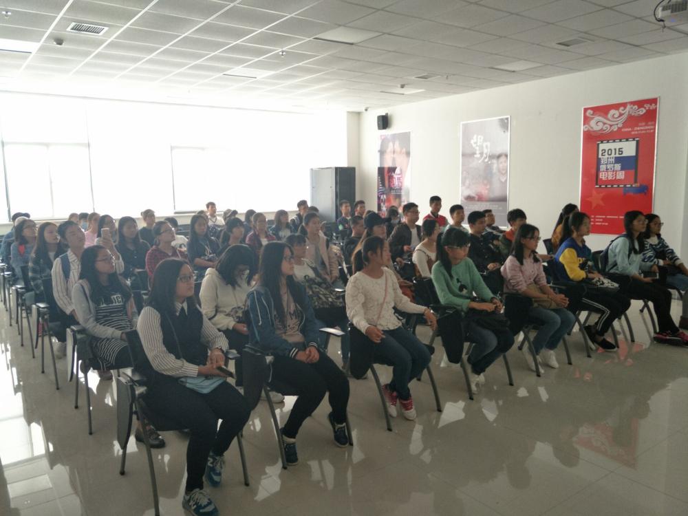 郑州大学广告专业学生到中原广告产业园参观